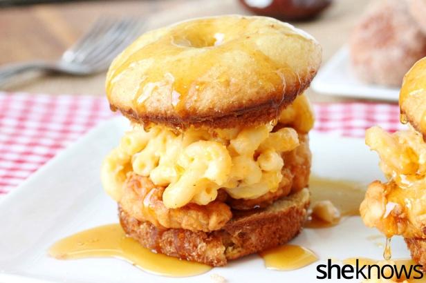 2-mac-and-cheese-chicken-doughnut_phbitf