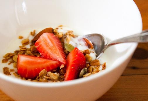 yogurt-granola-main